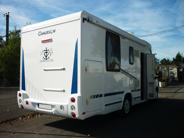 Chausson flash 718 eb 2015 camping car profil occasion - Camping car profile occasion lit central ...