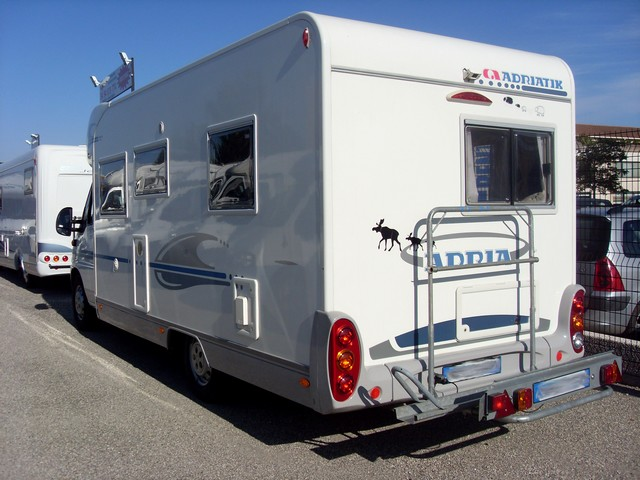 adria coral 650 sp 2005 camping car profil occasion 28500 camping car conseil. Black Bedroom Furniture Sets. Home Design Ideas