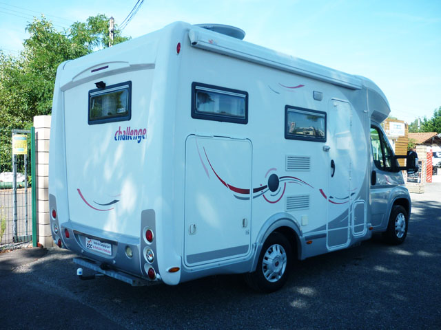 challenger mageo s 2009 camping car profil occasion 29900 camping car conseil. Black Bedroom Furniture Sets. Home Design Ideas