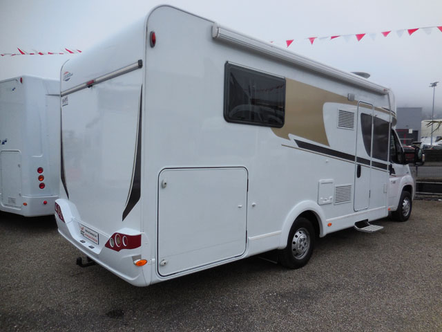 Hymer carado t 449 2016 camping car profil occasion - Camping car profile occasion lit central ...